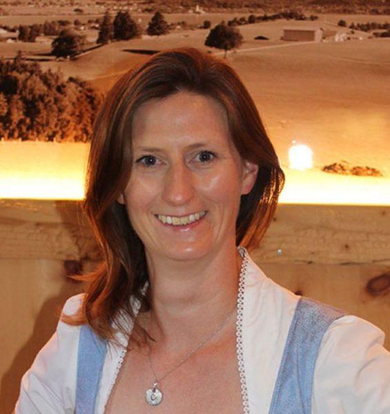 Mrs. Astrid Falk-Müller