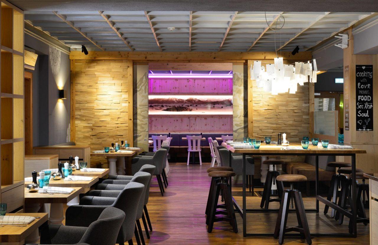 Restaurant Almgrill & Rosis Bar im Hotel Erb in Parsdorf bei München