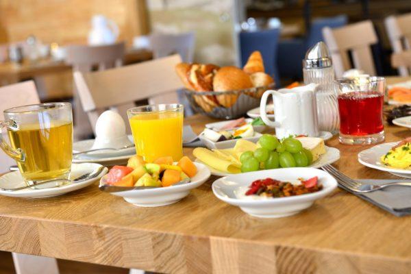fruehstuecksbuffet_hotel_erb_parsdorf_2